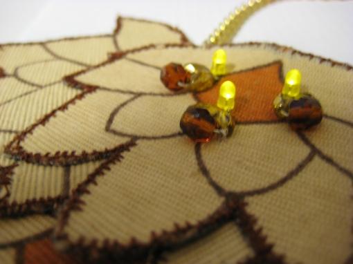 Prøvelapp med tekstiler og lysdioder